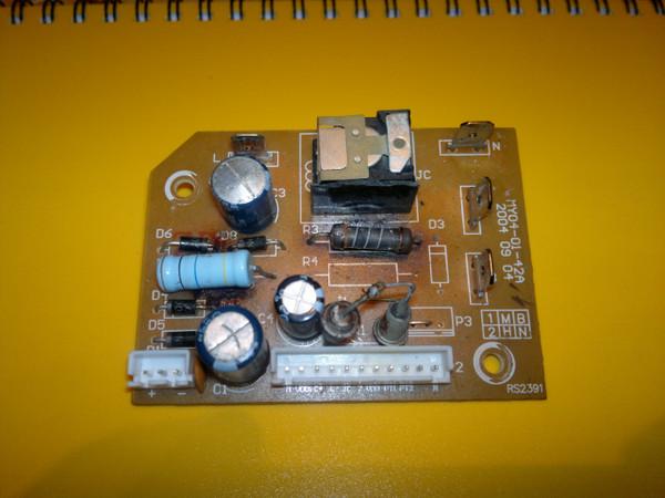 Опубликовано 14 Март 2012 - 06:04.  Нужна срочно схема китайского термопота Scarlett Вот плата (погорелая).