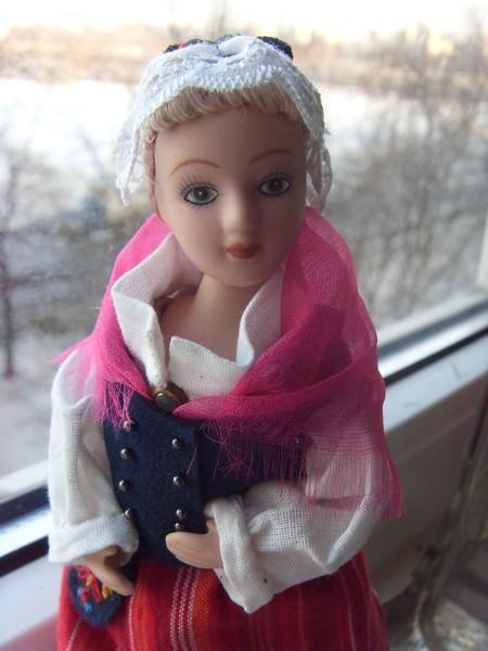 Куклы в народных костюмах №79 Кукла в финском женском костюме