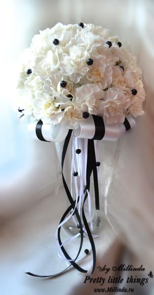 Свадебный черно-белый букет
