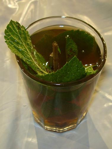 Мятный чай - любимый напиток марокканцев