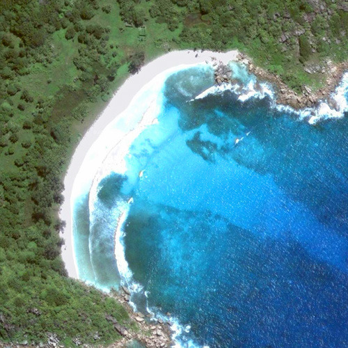 Вид на бухту Коко из космоса