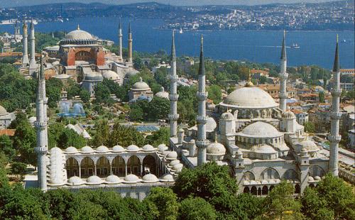 Вид на мечеть Султана Ахмета (Голубую мечеть) и Айя-Софию (с открытки, купленной в Стамбуле)