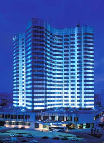 Отель «Мелиа Кохиба» ночью (фото из интернета)