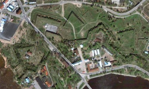 Вид на Аннинские укрепления из космоса