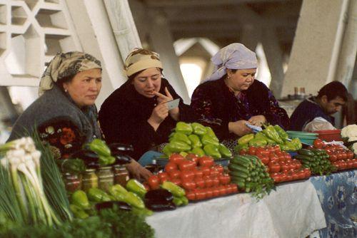 Из серии ''Узбекские портреты''. На рынке Чор-су в Ташкенте.