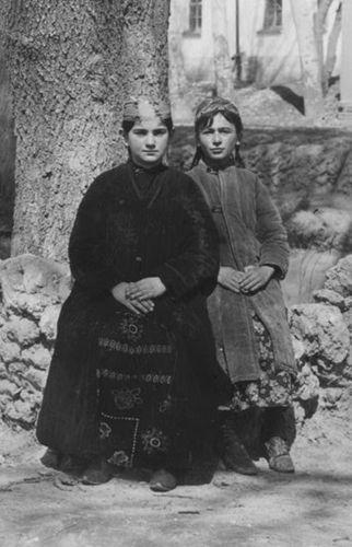 Из серии ''Узбекские портреты''. Еврейские девочки в Самарканде (фото начала ХХ века).