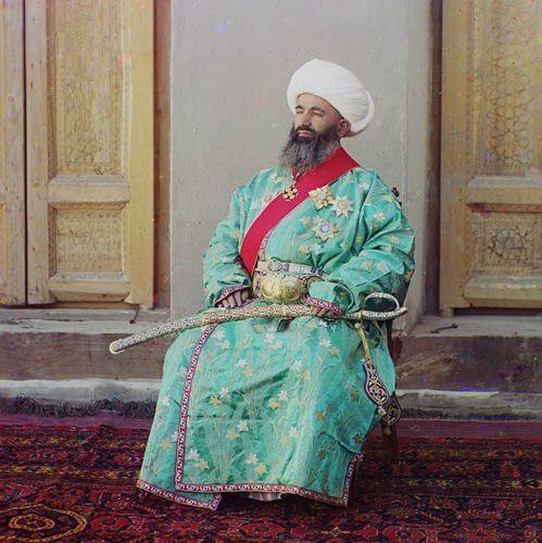 Из серии ''Узбекские портреты''. Министр внутренних дел Бухарского эмирата (фото начала ХХ века).