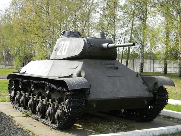 Лёгкий танк Т-50 (Центральный музей бронетанкового вооружения и техники в Кубинке)