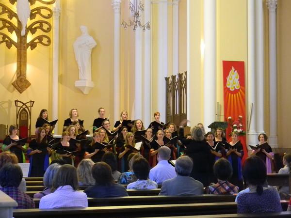 Гастрольные выступления Камерного Женского Хора Государственного Университета Южной Дакоты в Соборе Непорочного Зачатия Пресвятой Девы Марии