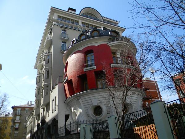 Дом-яйцо на улице Машкова