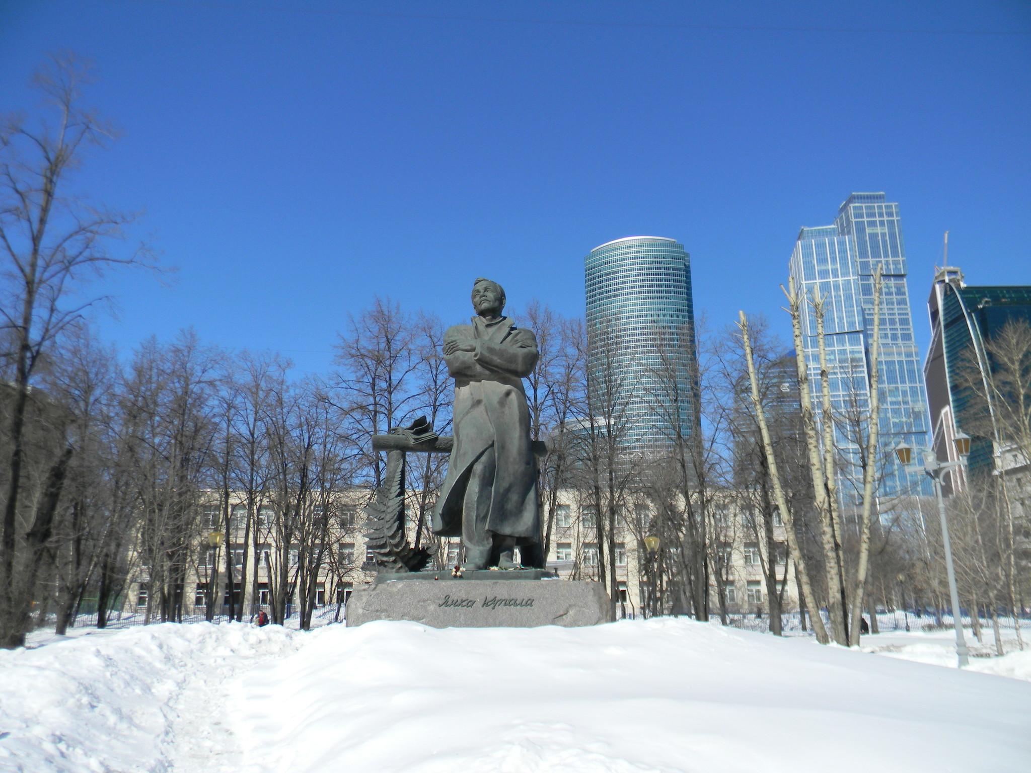 Сквер по Кутузовскому проспекту