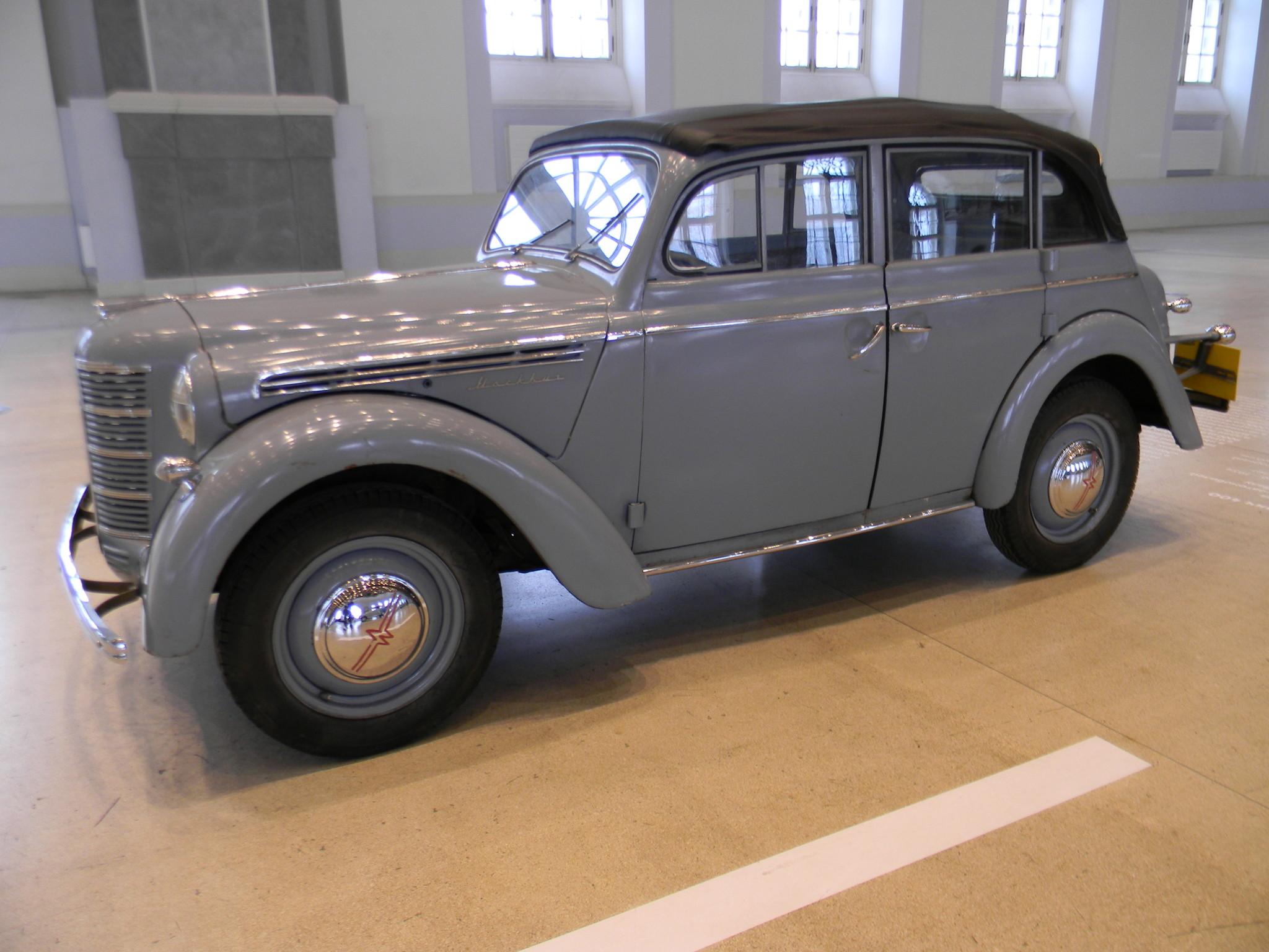 Москвич-400-420А» — четырёхдверный кабриолимузин