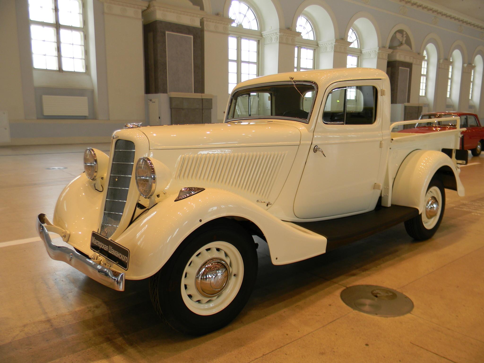 Автомобиль ГАЗ-М-415 в Центральном выставочном зале «Манеж»