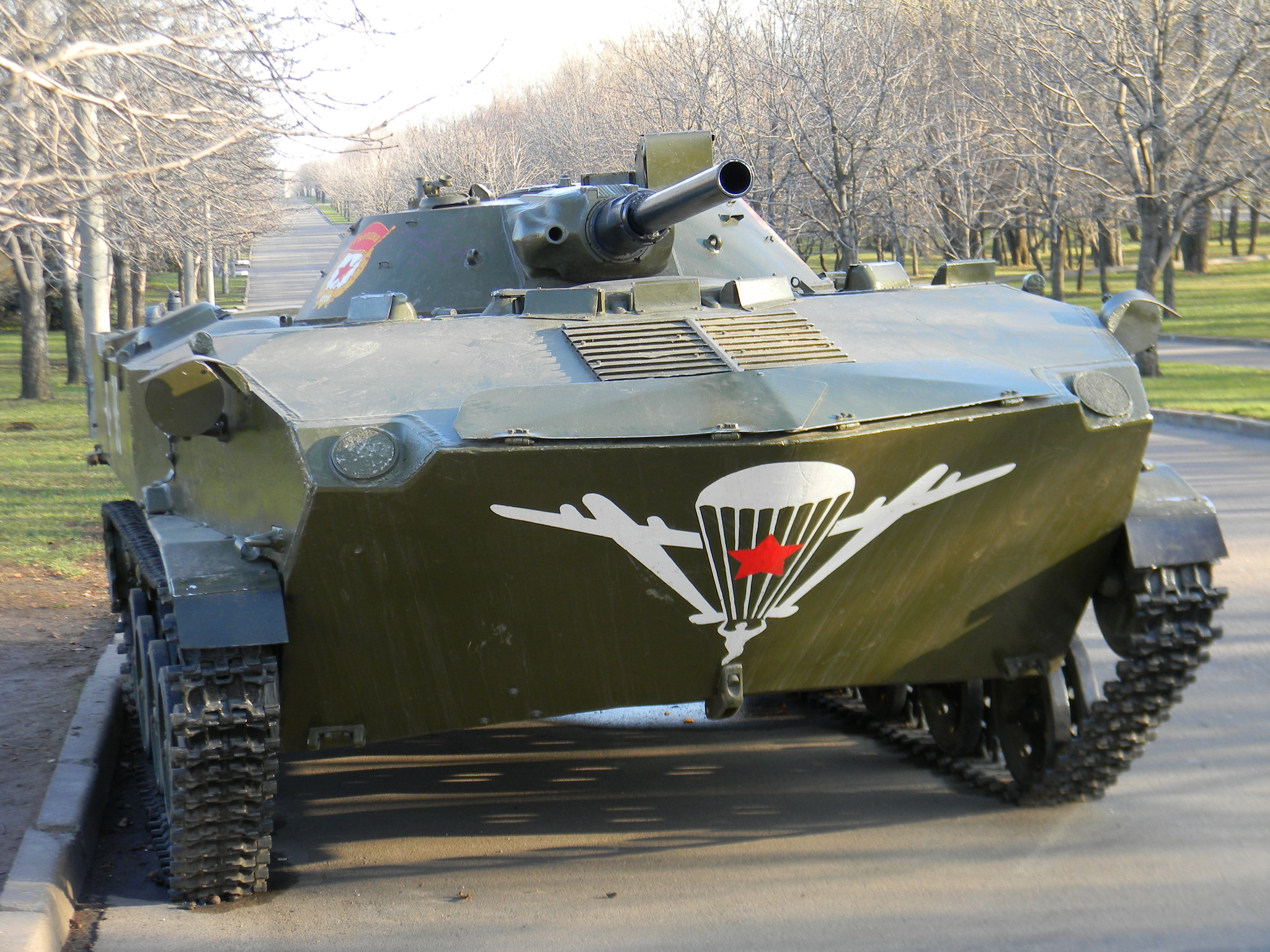 Боевая машина десанта БМД-1 на Поклонной горе