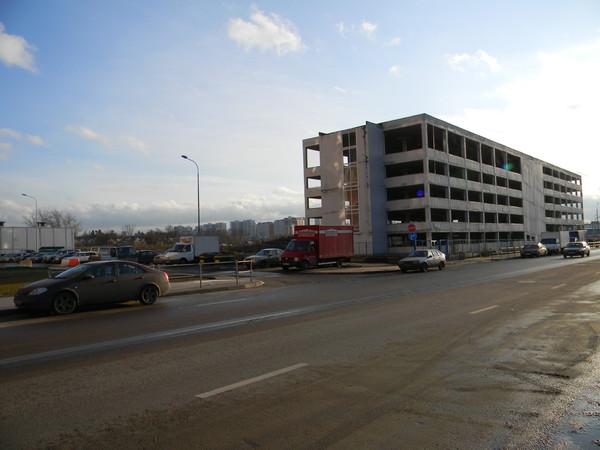 Народный гараж в 9-м микрорайоне Северного