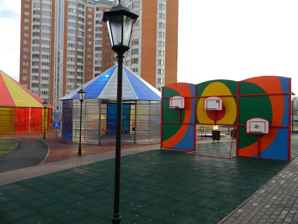 Детская площадка для детей инвалидов на Челобитьеском шоссе