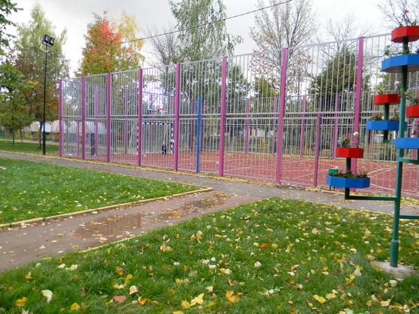 Многофункциональная спортивная площадка на 9-й Северной линии
