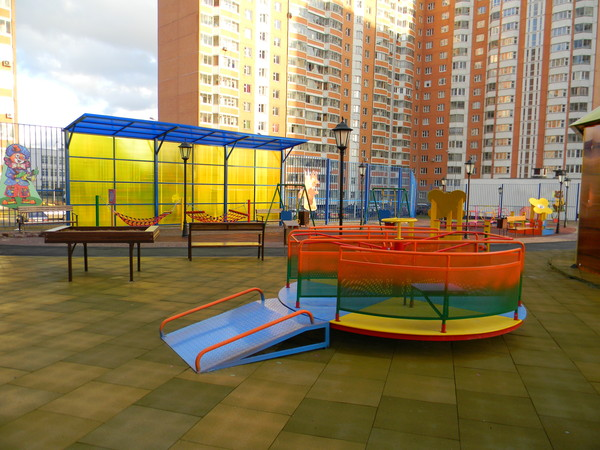Площадка для детей-инвалидов на Челобитьевском шоссе