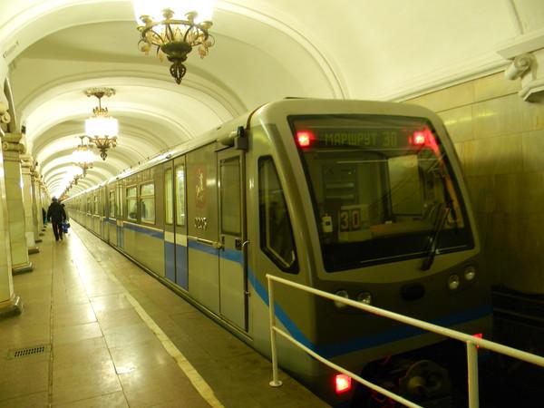 Современный комфортабельный поезд