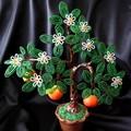 Мандариновое дерево из бисера.