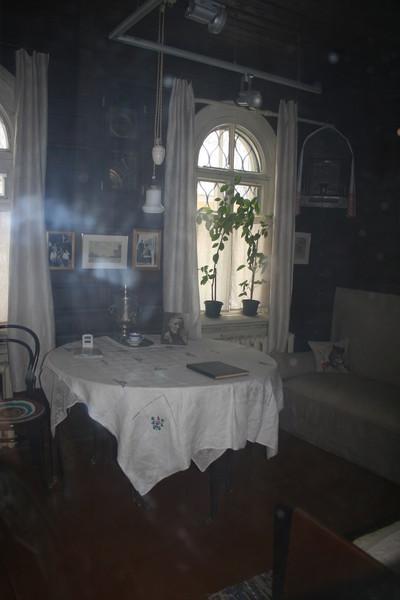 Дом С.Н. Дурылина глазами потомка П.А. Флоренского: фрагмент интерьера гостиной