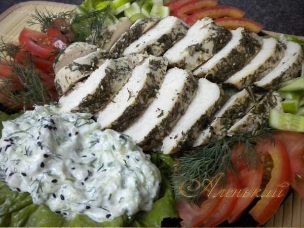Куриное филе в вакууме в маринаде из киви с йогуртным соусом )))