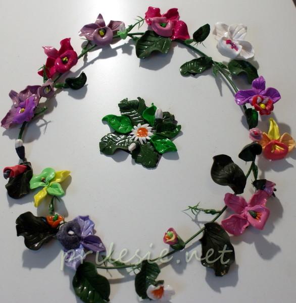 Венок из экзотических цветов