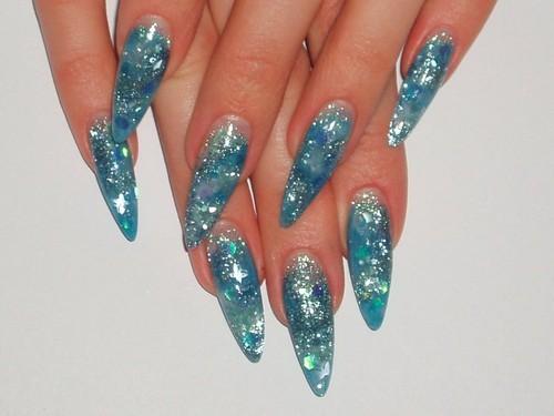 Пигмент на ногтях дизайн