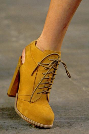 Лаковые Туфли На Низком Ходу Со Шнурками