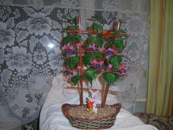 """ФУКЦИЯ.  Из книги М. Федотова и Г. Валюх  """" Цветы из бисера."""