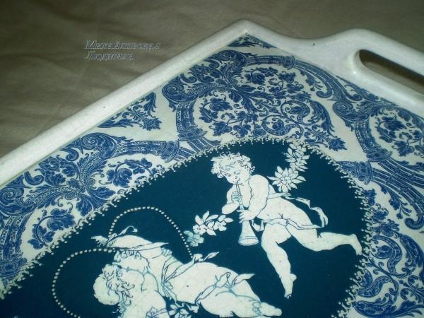 столик поднос Ангелы любви синий