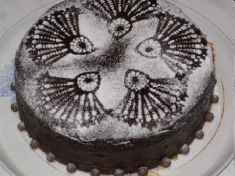 Как сделать рисунок на торте пудрой