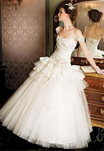 Свадебное платье с корсетом из натурального шёлка шантунг и пышной юбкой...