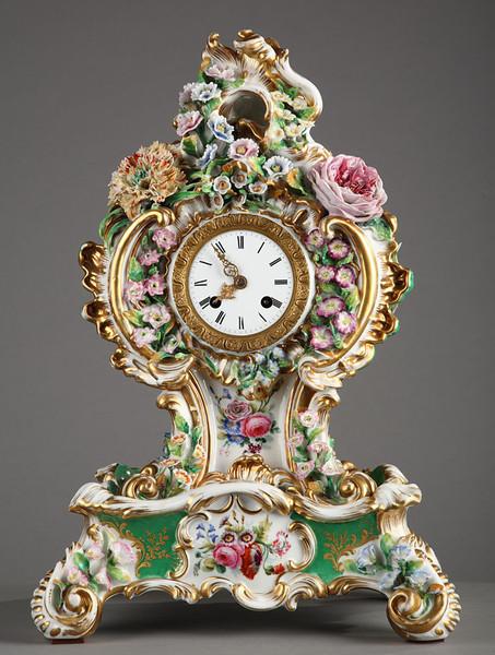 Очень карсочные настольные часы