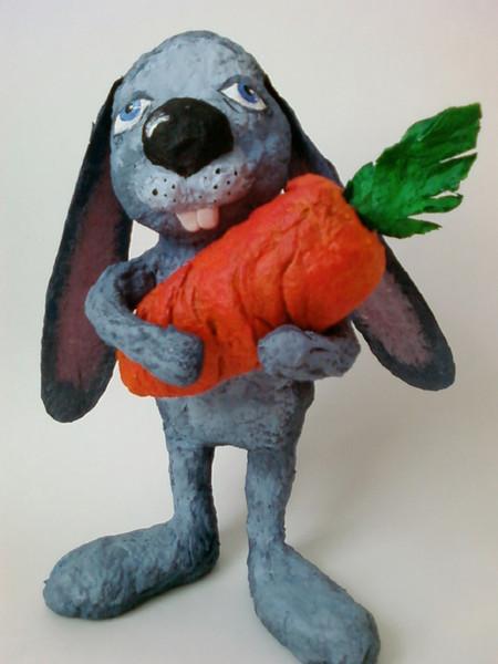 Кролик из папье-маше своими руками