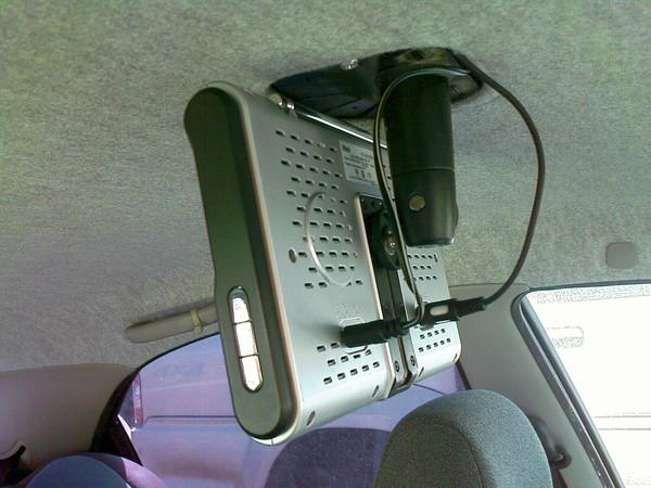 Как установить телевизор на потолок автомобиля своими руками 905