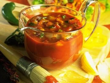 Томатный итальянский суп с фасолью и макаронами