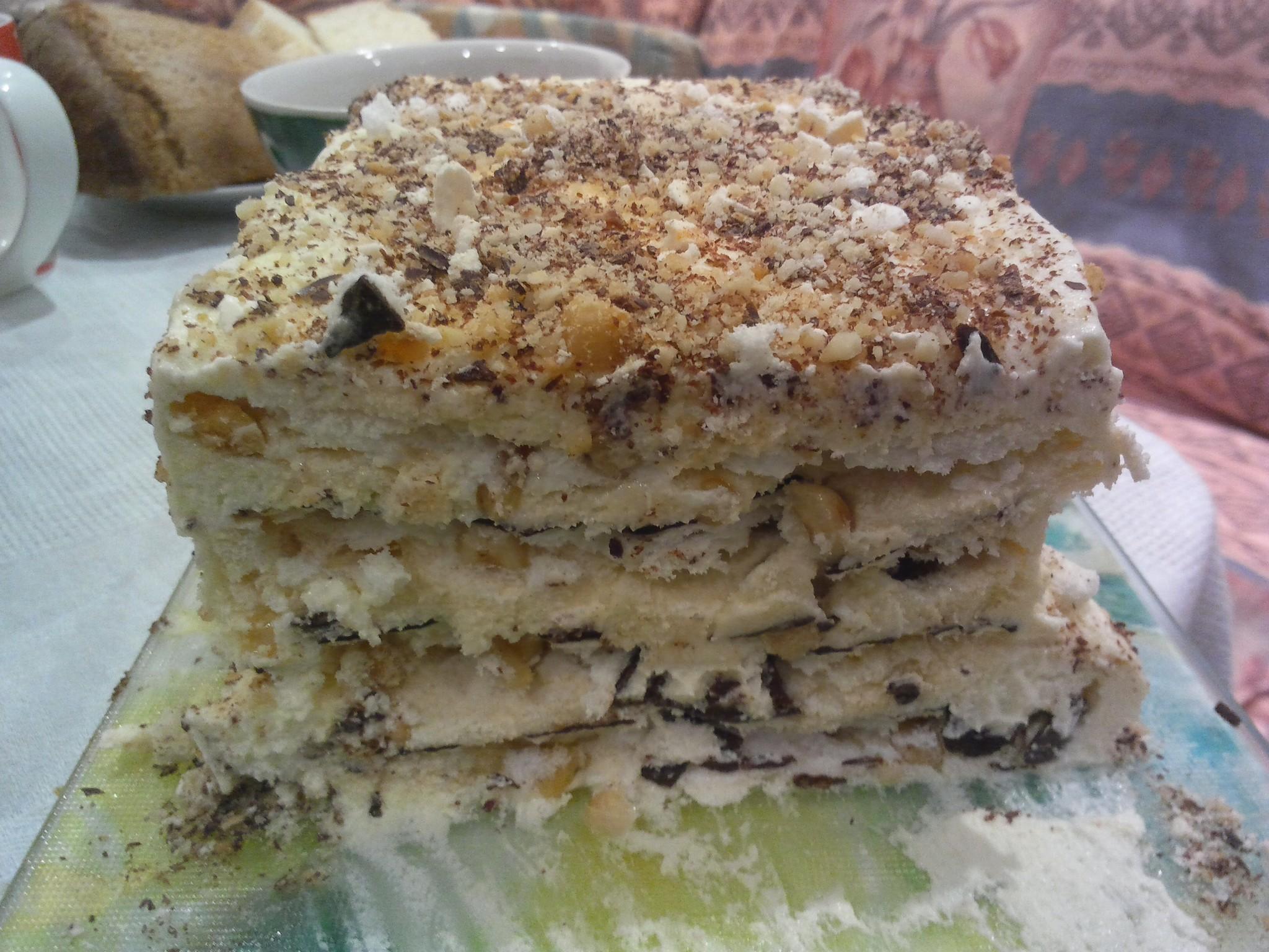 Торт «Безе с фундуком»