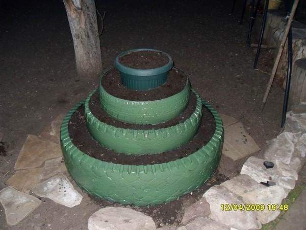 Из блога ГАЛИНЫ ШАДРИНОЙ.  Вторая жизнь колес.  Множество идей для вашей дачи, что можно сделать из старых колес.