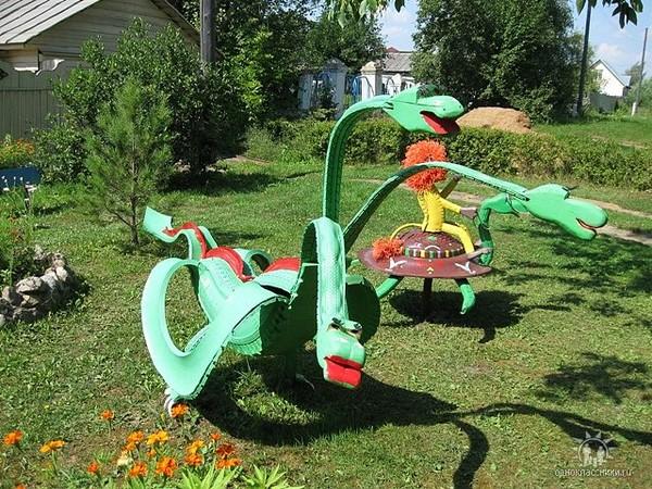 Поделки из шин для дачи - это также и песочницы.  Для детей дошкольного возраста они как раз будут наиболее...