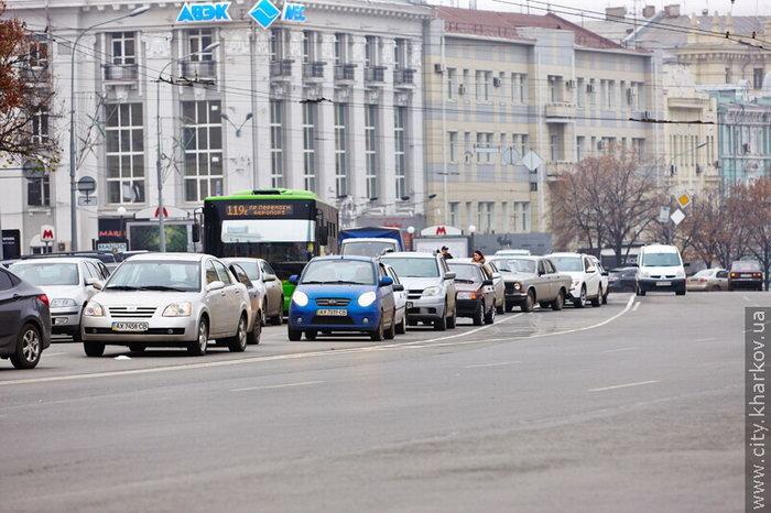 пл. Конституции, пробка в Харькове