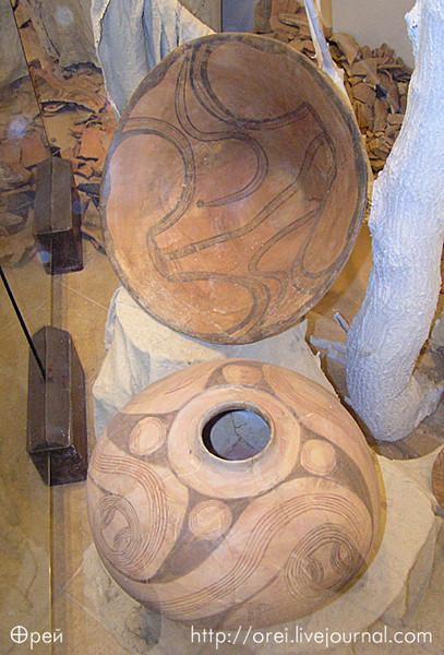 Свастика на трипольской керамике