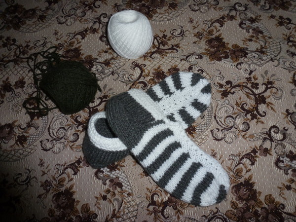 Вязать носки начинающим на двух спицах