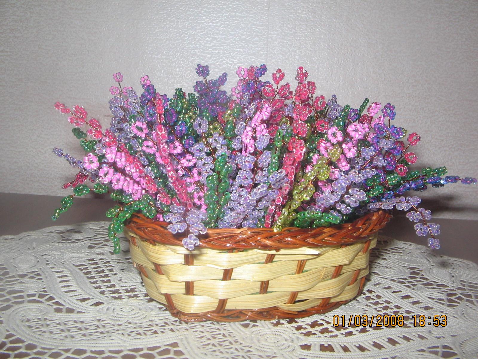 Цветы из бисера - Biserok.org.  19 фев 2013 Розовый вереск из бисера. .  Описание работы и схема плетения красивой...