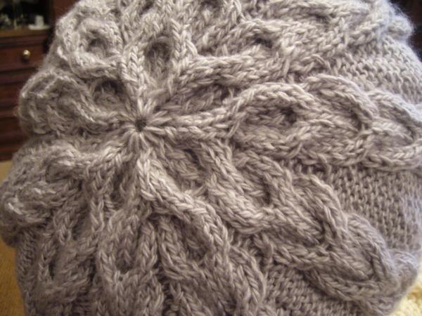 Схема вязания серого берета.