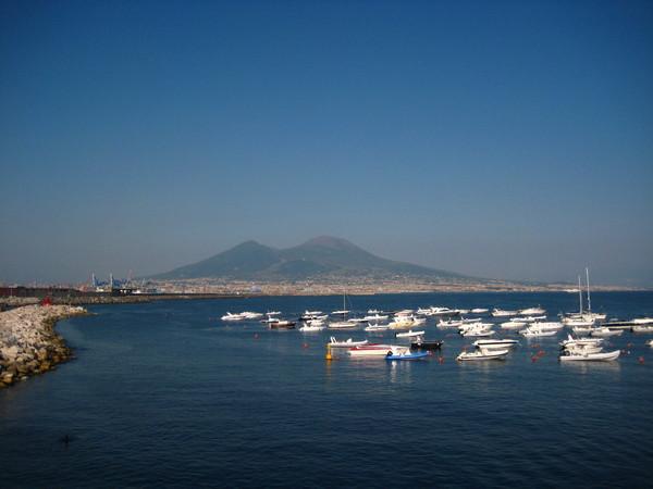 Неаполь - много настоящего итальянского, аутентичного