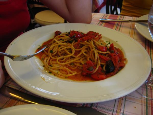 спагетти. Куда в Неаполе без них?