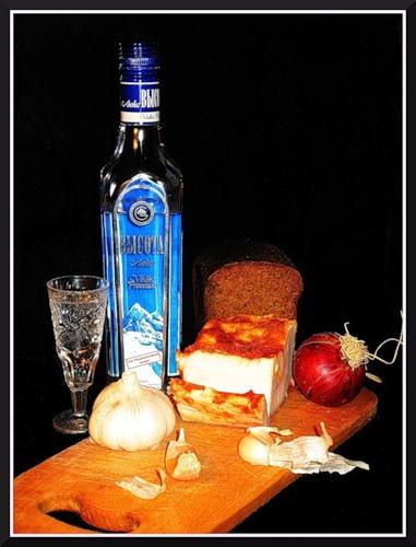 казацкая закуска-сало с чесноком
