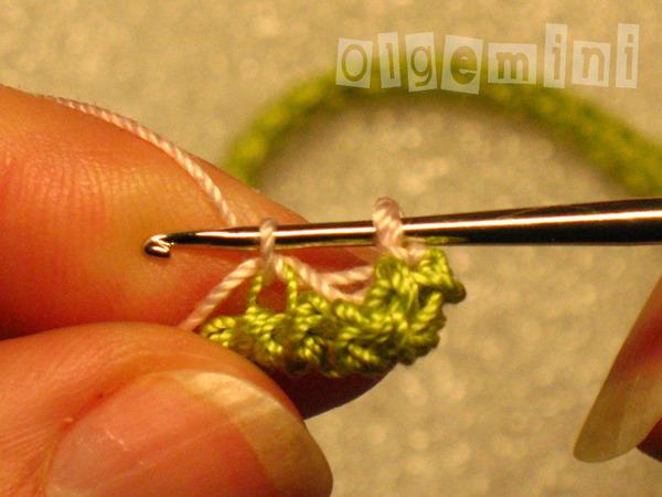 Т.е. не переворачивая вязания,
