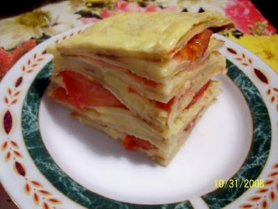 блинчики с сыром и помидорами